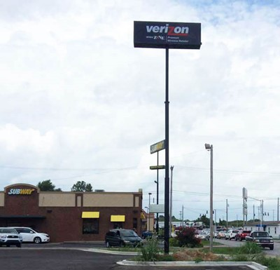 Pylon sign for Verizon Wireless by blinksigns