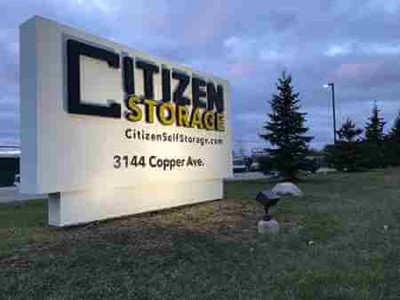self-storage industry and blinksigns cabinet letters