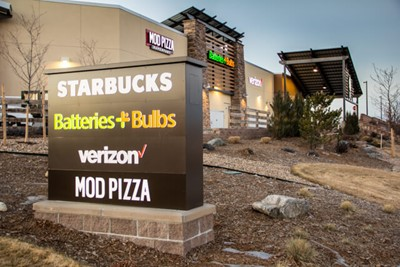 Verizon wireless outdoor Signs by Blinksigns