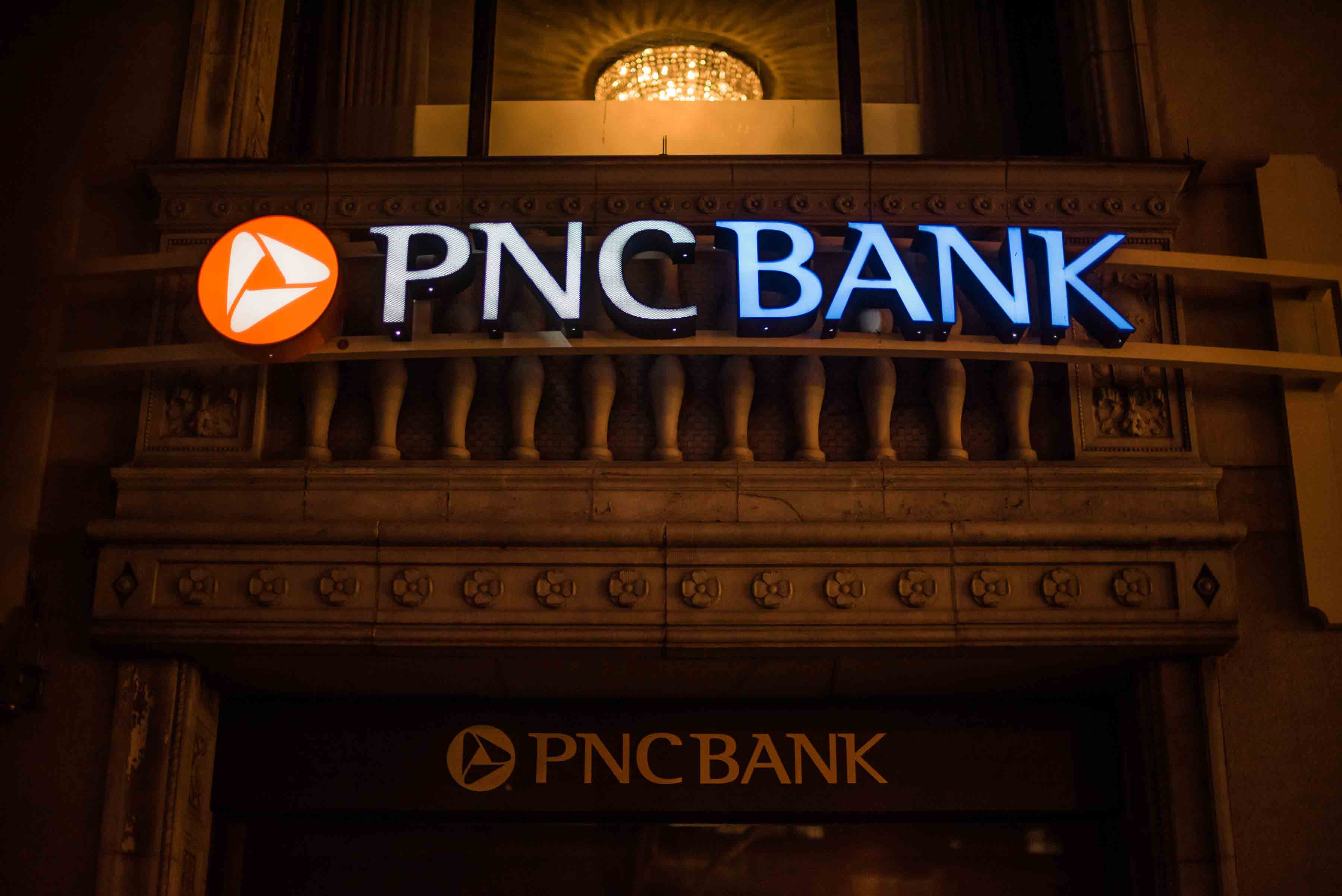 PNC Bank Using Bank signs, Atm Signs - Blade signs & Non